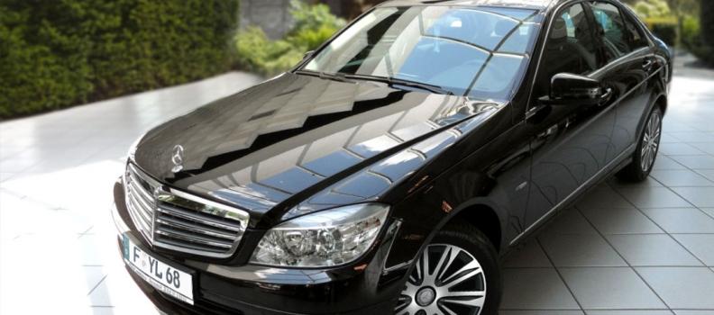 Mercedes-Benz ist da
